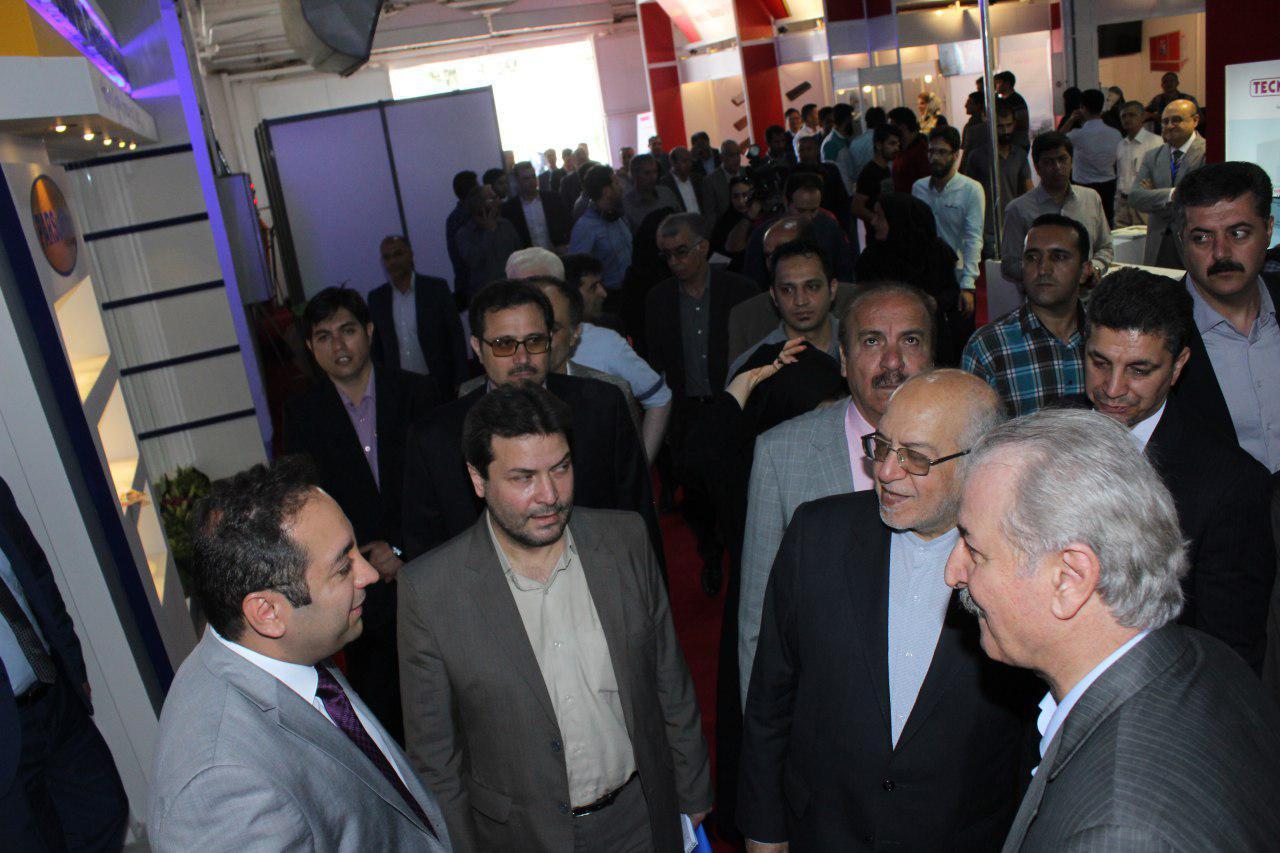 بازدید مهندس نعمت زاده وزیر محترم صنعت،معدن و تجارت از غرفه پارس سولفیت(نمایشگاه کاشی و سرامیک تهران 96)